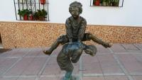 Bockspringende Figur in Olvera