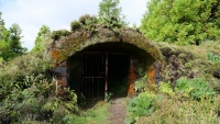 Eingang zu altem Keller?