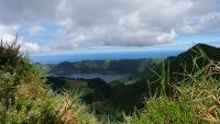 Wolkenstimmung über Kratersee