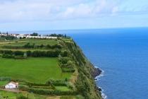 Grüne Steilküste