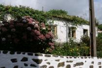 Altes, verlassenes Haus in Lomba