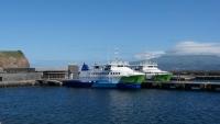Mit der vorderen der beiden Fähren ging es dann wieder zurück auf die Insel Pico