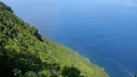 Vom Aussichtspunkt Miradouro Terra Alta geht es 415m runter bis zum Meer!