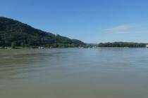 Die Donau beim Kraftwerk Greifenstein