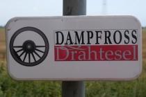 Hinweistafel für die Dampfross und Drahtesel Route