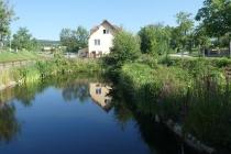 Kleiner Teich im Ort Obermarkersdorf
