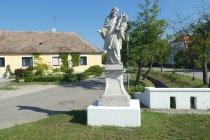 Alte Statue im Ort Obermarkersdorf