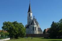 Kirche von Dobermannsdorf