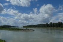 Wolkenstimmung über der Donau in Hainburg