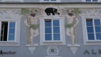 Verzierungen an einem Haus am Hauptplatz von Linz