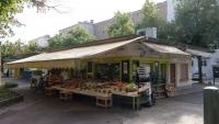 Ein Gemüsestand am Südbahnhof Markt