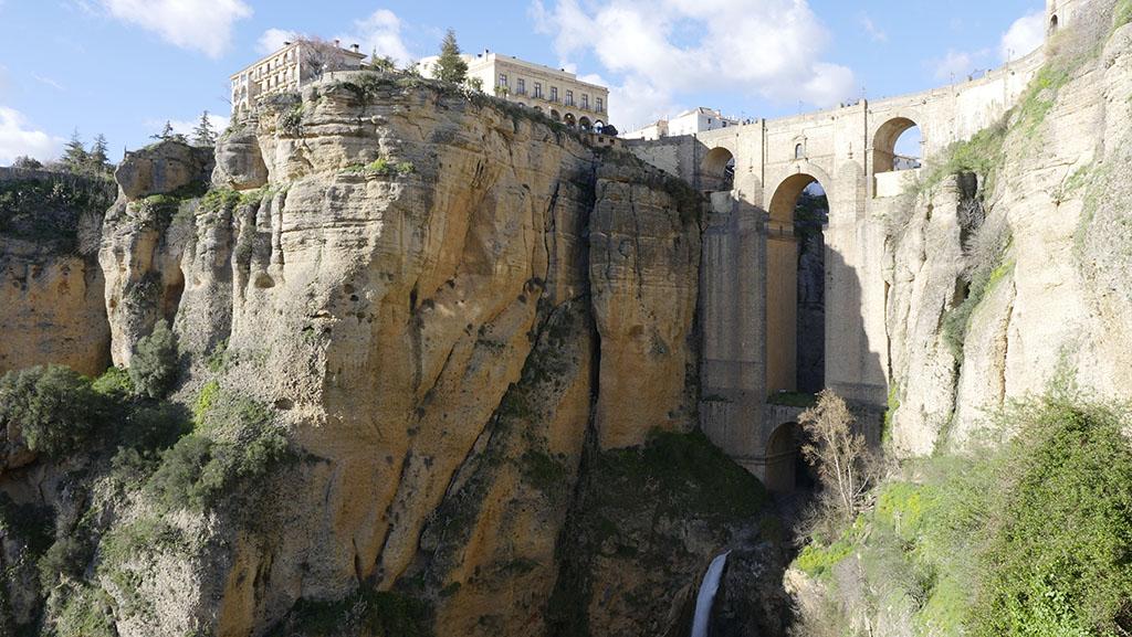 Berühmte Steinbrücke in Ronda